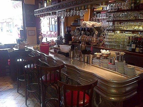 montorgueil bar