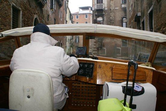 Consorzio Motoscafi (Water Taxi) - Excursions: de táxi pelos canais de Veneza