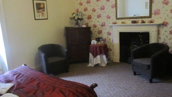 Oakeley Arms Hotel: Room 3