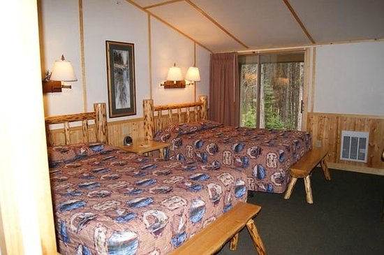 Canyon Lodge and Cabins: Beds with a view