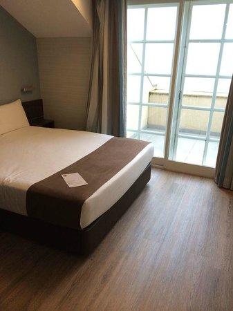 Moov Hotel Porto Centro : Bedroom