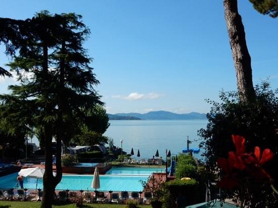 Hotel Kursaal Umbria : uitzicht vanaf hotelkamer