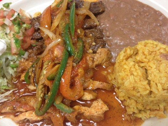 Los Gordos Mexican Cafe : FAJITAS ALA MEXICANA