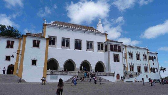 Palacio Nacional de Sintra: Palace front