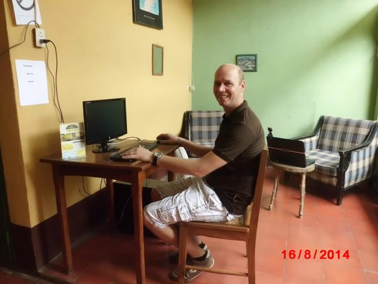 Hostal Casa Ivana: free use computer