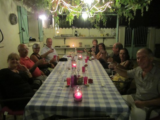 Domaine a L'Aise: Dinner on patio