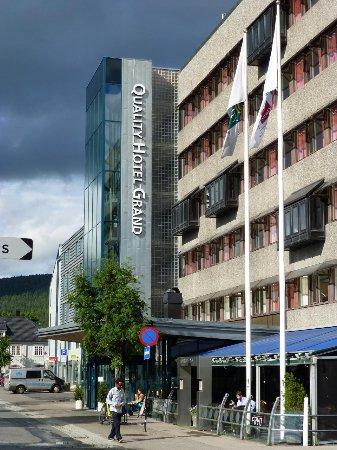 Quality Hotel Grand Kongsberg: Fachado do hotel