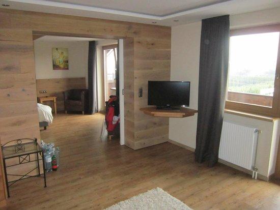 Das Alpenwelt Resort : Beide Zimmerteile der Nature Suite