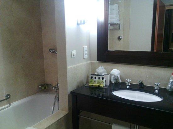 InterContinental Warszawa : Bathroom