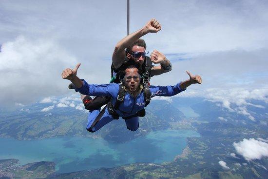Skydive Switzerland - Scenic Air AG : woooooooooo