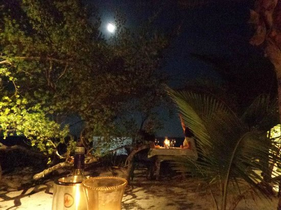 Hechizo: The gorgeous outdoor seating, with the full moon above!