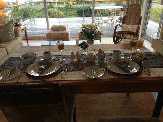 138 Marine Beachfront Guesthouse: Breakfast View