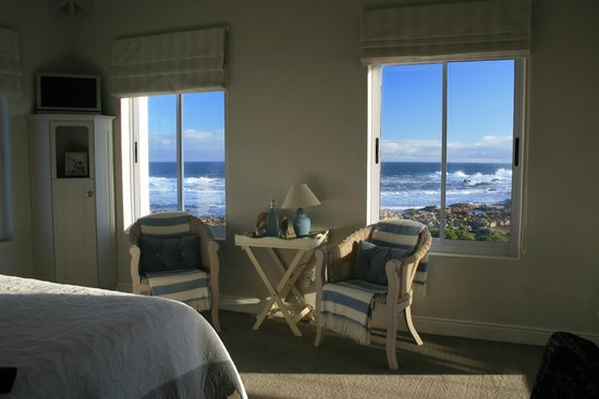 138 Marine Beachfront Guesthouse: Room view
