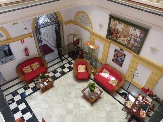Hotel Las Cortes De Cadiz : Reception area