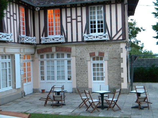 Les Villas d'Arromanches: batiment annexe