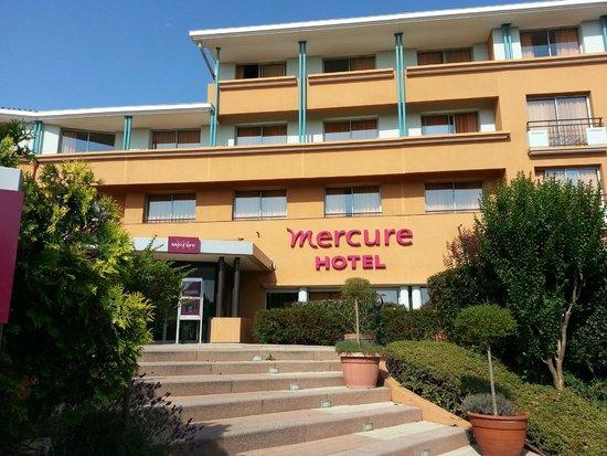 Mercure Toulouse Aeroport Golf de Seilh Seilh France
