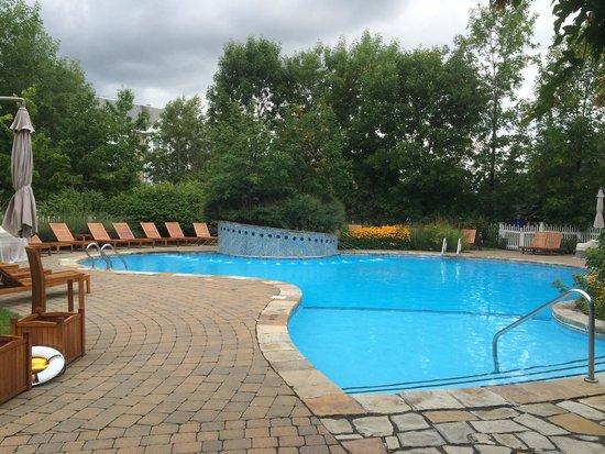 Hotel Le Bonne Entente: Pool