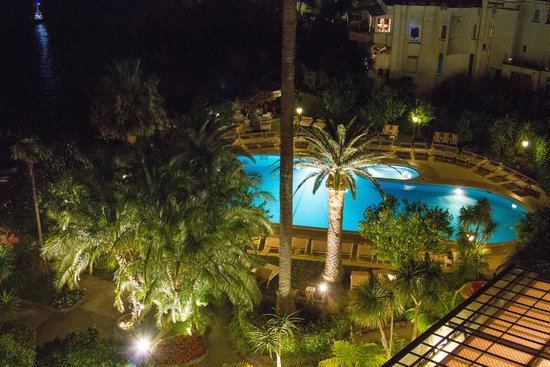 Grand Hotel Royal : The Hotel Pool at Night