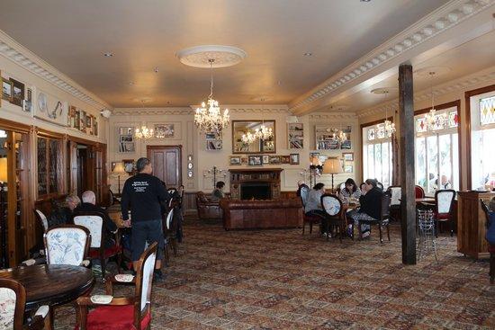 Duke of Marlborough: Het interieur (bar)