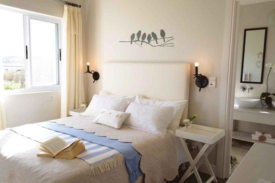 138 Marine Beachfront Guesthouse: Abalone Room