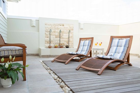 138 Marine Beachfront Guesthouse: Mussel Room Patio