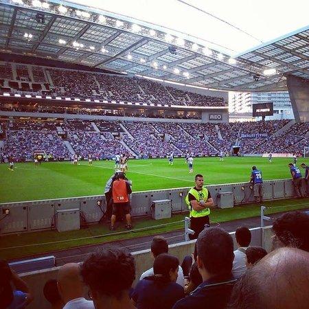 Estádio do Dragão : segundos antes da bola começar a rolar...