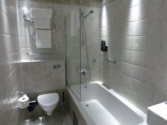 Hotel C Stockholm: Banho