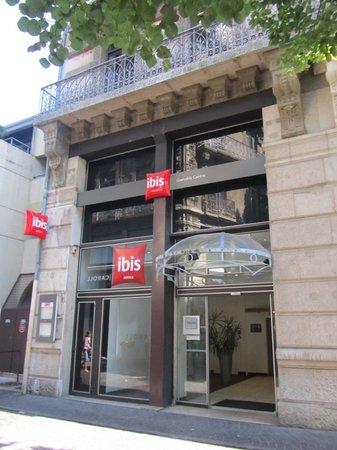 Ibis Grenoble Centre : Entrada del hotel