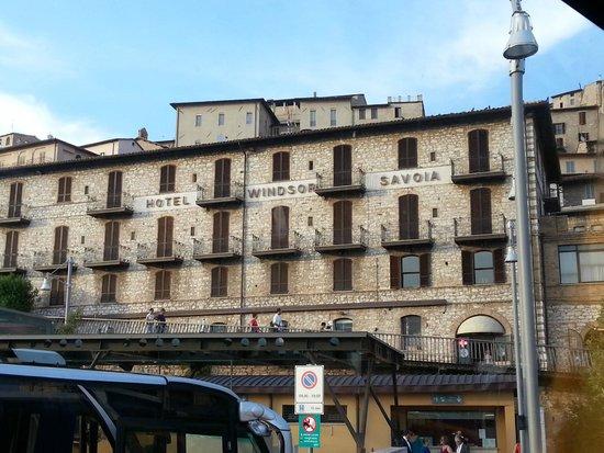 Hotel Windsor Savoia : Hotel visto dal parcheggio