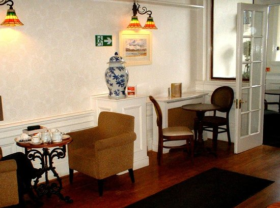 Warner Leisure Hotels Nidd Hall Hotel: Tea Room