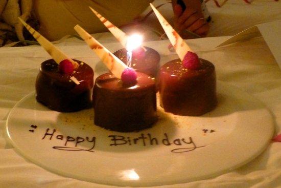 Hilton Los Cabos Beach & Golf Resort: birthday surprise from hotel staff