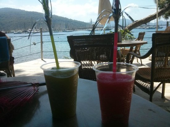 TUI SENSIMAR Marmaris Imperial Hotel: Well you do need drinks