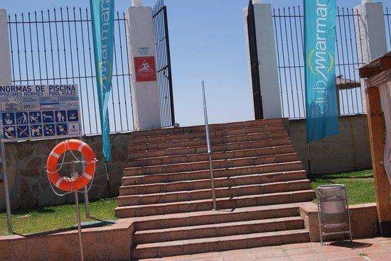 Club Marmara Marbella : une des deux portes accédant à la plage