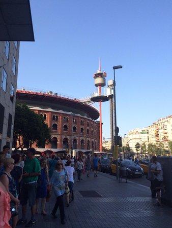 Centro Comercial Arenas de Barcelona: Just outside our hotel
