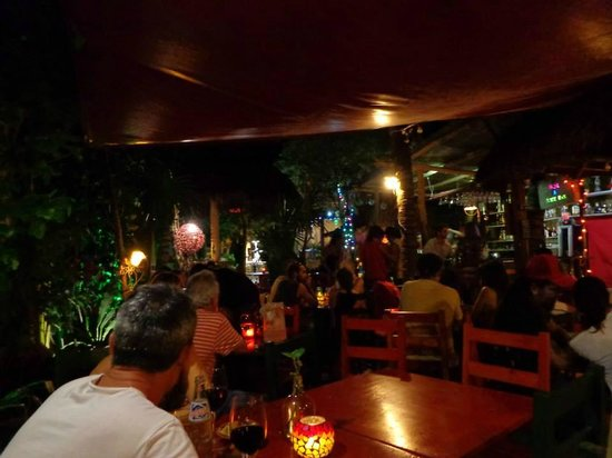Puro Corazon: The view over the dining/bar area