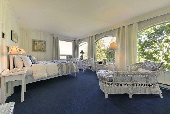 Auberge des Falaises : une chambre champêtre