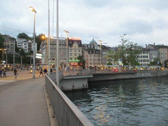 ลิมมาทโฮฟ: Looking across the river towards the hotel