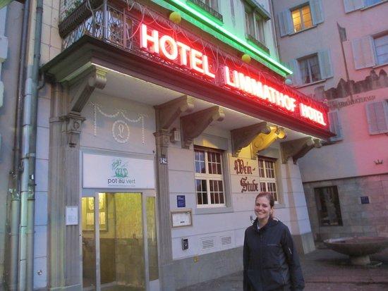 Limmathof: Outside