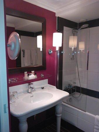 Pullman Montpellier Centre : salle de bain