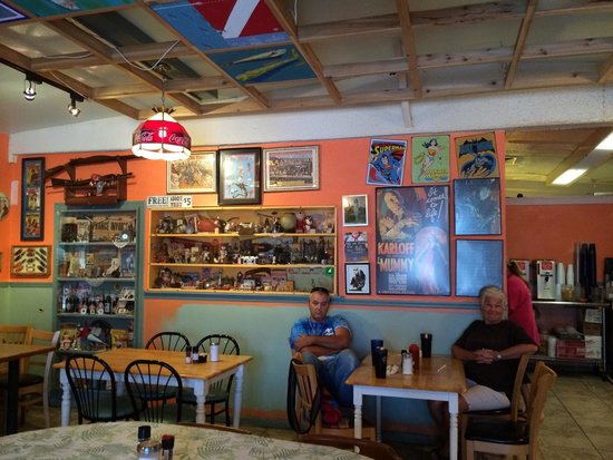 2 Brothers at the Beach Cafe: Fun to look at the decor and collectibles.