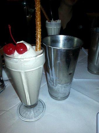 Brooklyn Diner : yummy milkshake!