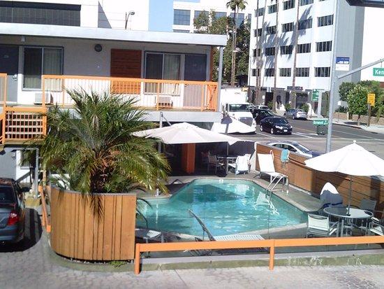 The Tangerine: vue depuis notre chambre sur la piscine