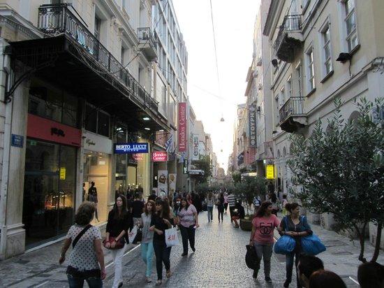Ermou Street: Панорама улицы