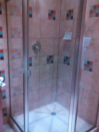 Sky Ute Casino & Resort: Stand up shower