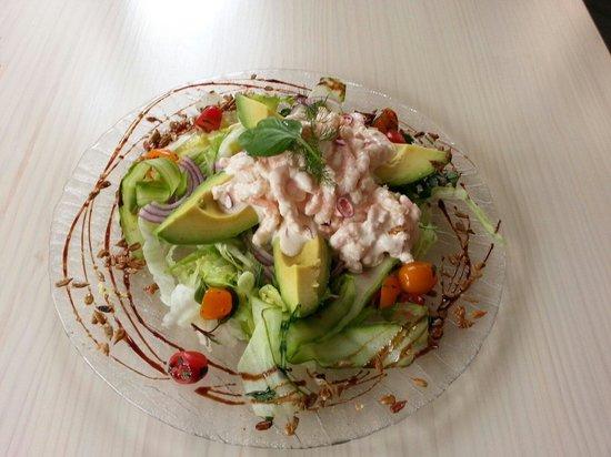 Mundo Pequeño: avocado with prawns in chilli mayonaisse