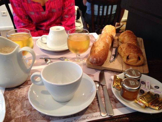 Travel's Coffee : Excellent petit dej !