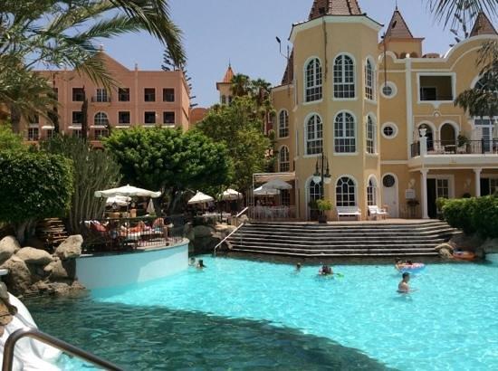 Bahia del Duque: piscine brasserie