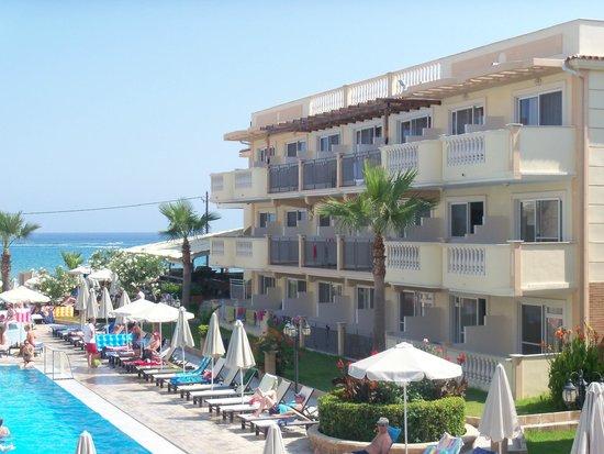 Zante Maris Hotel: pool view