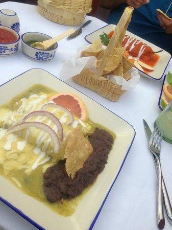 La Posadita: Enchiladas & Chile Rellenos