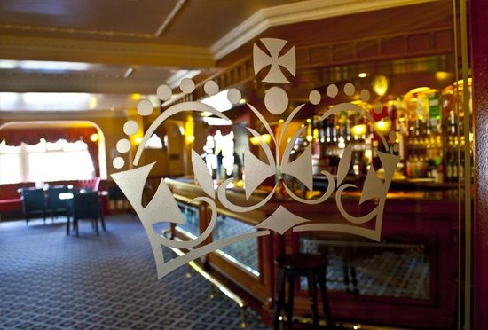 The Crown Hotel: The Crown Bar